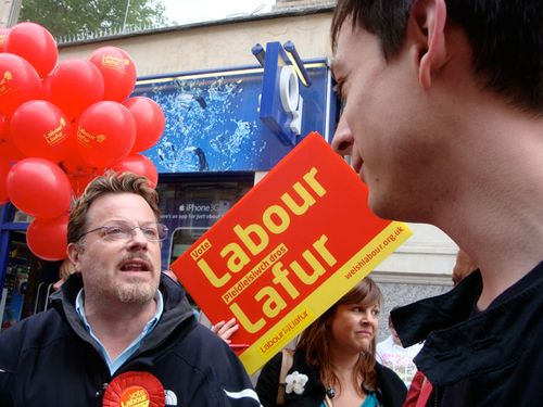 Talking to Eddie Izzard during his European Election campaign visit to Cardiff